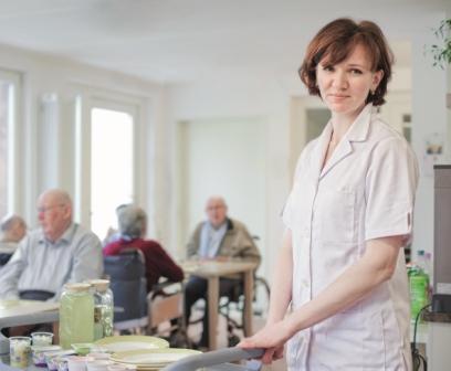 Arbeiten in der Pflege PflegePRO Wiesbaden Anerkennung Gesundheits- und Krankenpflege